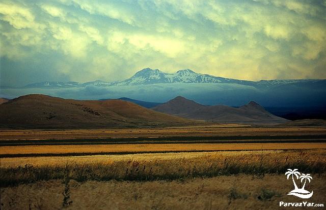 دیدنی های ارمنستان Caucasus-Mountains-1