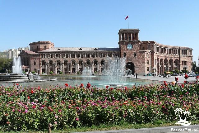 دیدنی های ارمنستان republic-square-yerevan