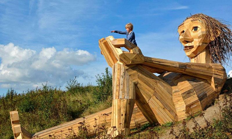 6 مجسمه غول پیکر در جنگل های کپنهاگ دانمارک