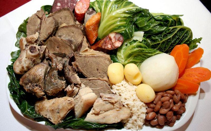 خوراک Cozido پرتغالی