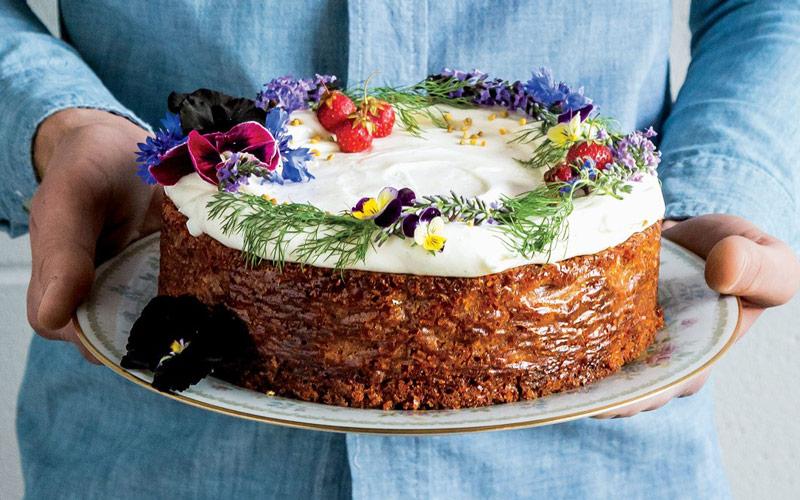 کیک عسل (honey cake)