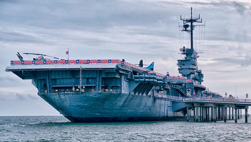 کشتی و ناو هواپیمابر تسخیر شده لکسینتن