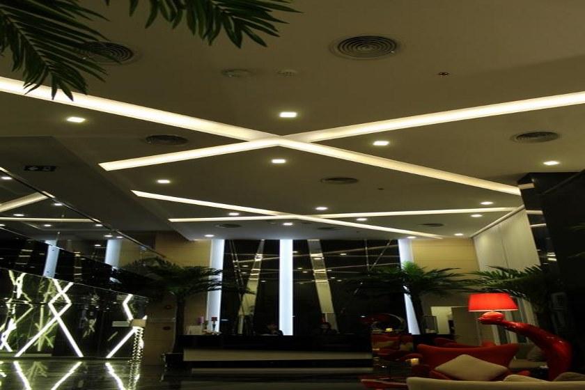 هتل Nova Express