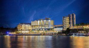 هتل Charisma De Luxe Hotel