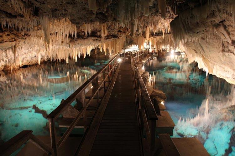غارهای کریستالی و فانتزی برمودا