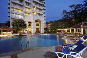 هتل Waterfront Suites Phuket by Centara