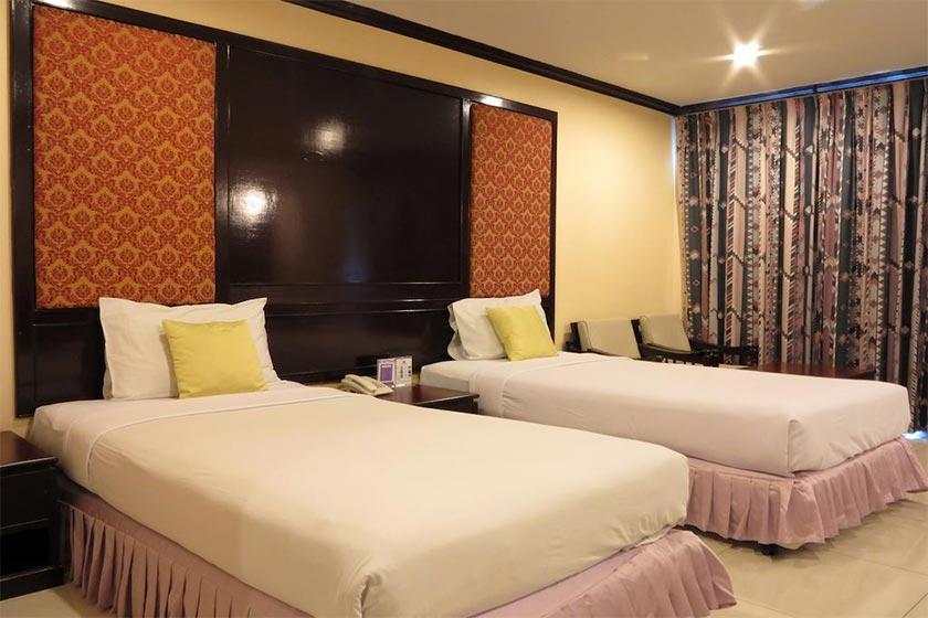 هتل Mike Beach Resort