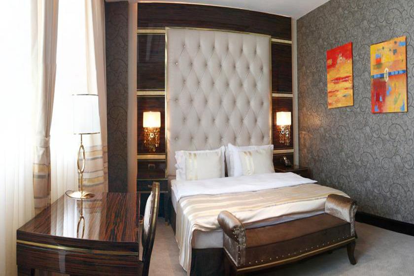 هتل Sapphire