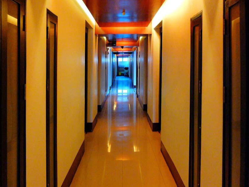 هتل 7Q Resident