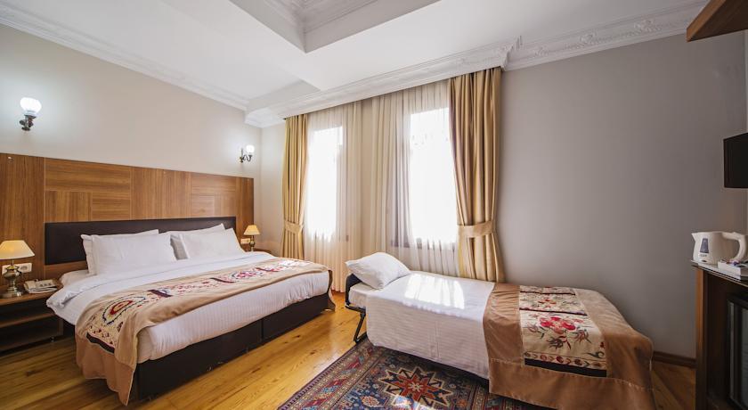 هتل Hippodrome Hotel