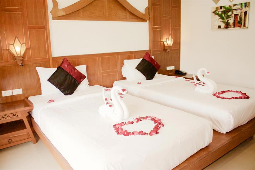هتل New Life Phuket Classic