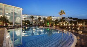 هتل Pine Bay Hotel
