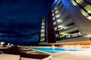 هتل Bay Breeze