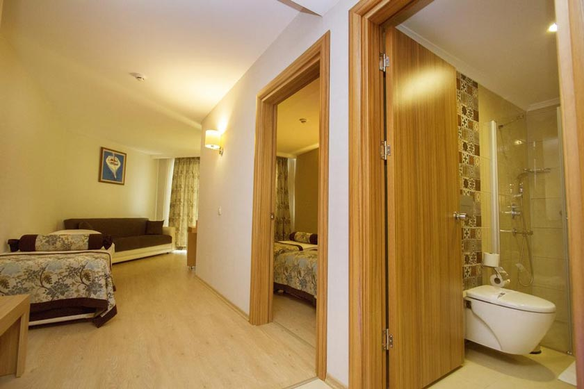 هتل Blue Wave Suite