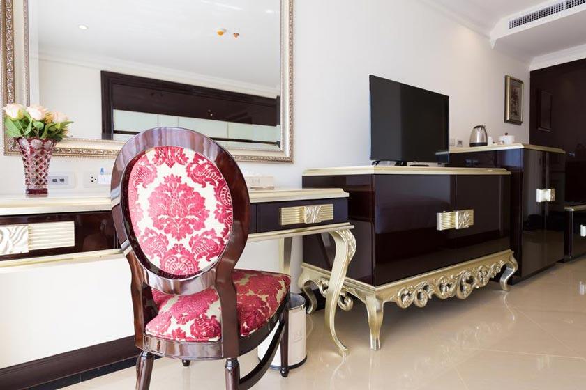 هتل LK President