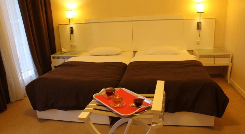 هتل Amber