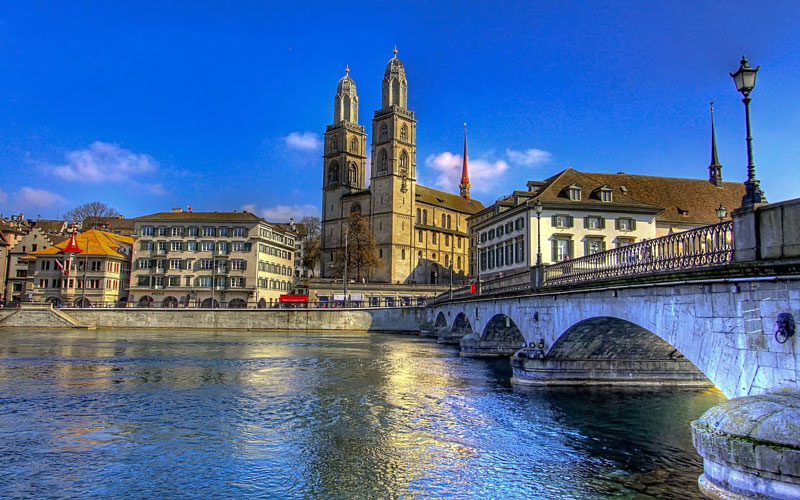 گروس مونستر (Grossmünster)