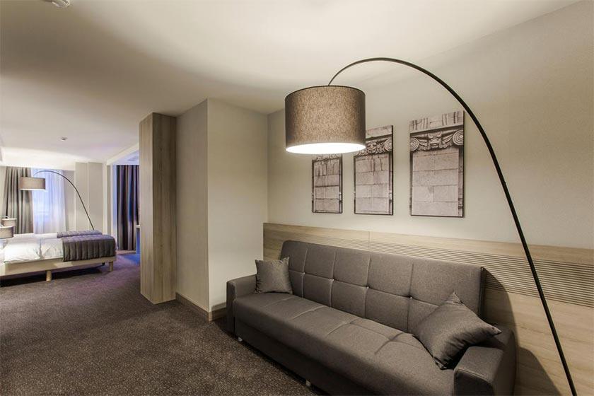 هتل Republica Hotel Yerevan