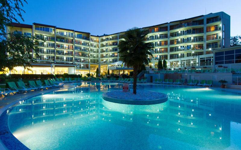 هتل اسمارتلاین مادارا (Smartline Madara Hotel)