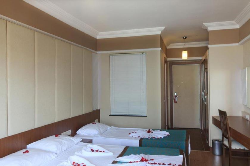 هتل Tac Premier
