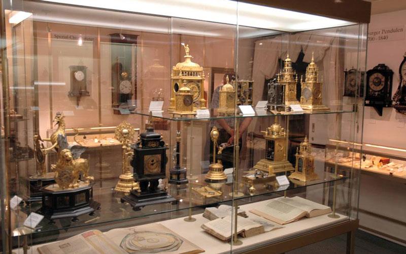 موزهی بِیِرزوریخ (Uhrenmuseum Beyer Zürich)