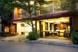 هتل Mirth Sathorn