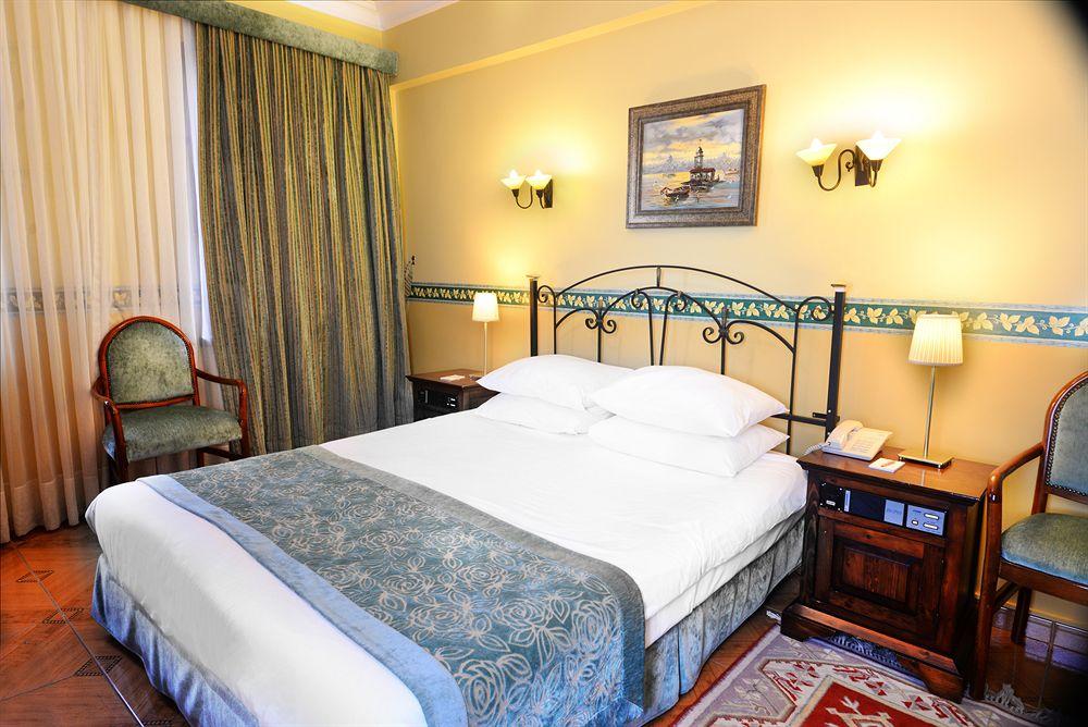 هتل Blue House Hotel