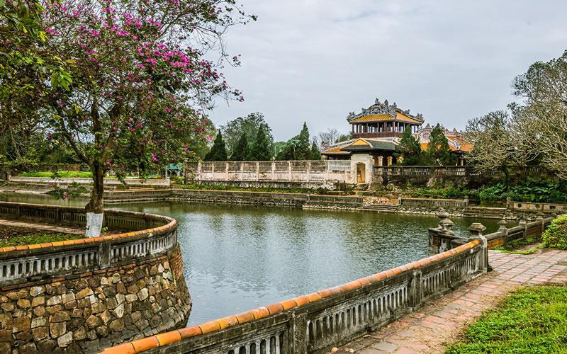قلعه امپراتوری ثانگ لانگ (Imperial Citadel of Thăng Long)