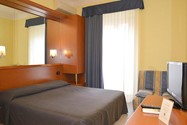 هتل آورورا (Hotel Aurora)