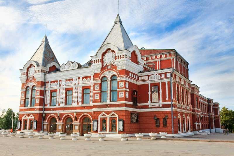 سالن تئاتر آکادمیک ماکسیم گورکی (Maksim Gorky Samara Academic Drama Theatre)
