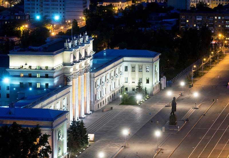 سالن باله و اپرا (Academic Opera and Ballet Theatre)