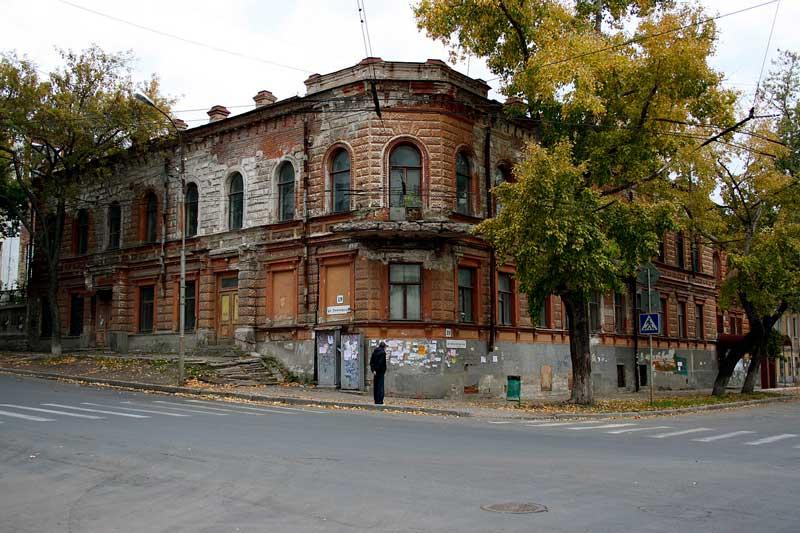 عمارت نرونف (Neronov's Mansion)