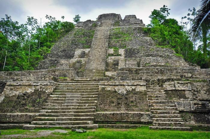 منقهی حفاظتشدهی باستان شناسی لامانای (Lamanai)