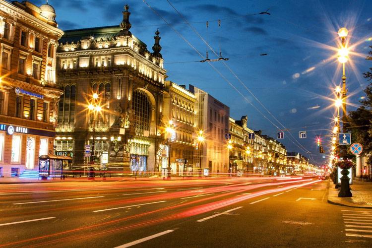 خیابان نوسکی در سن پترزبورگ