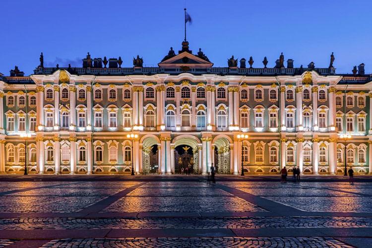 کاخ زمستانی سن پترزبورگ