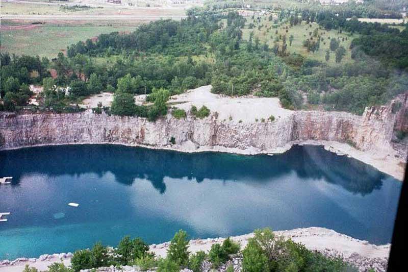 دریاچه کوئری (Quarry Lake)