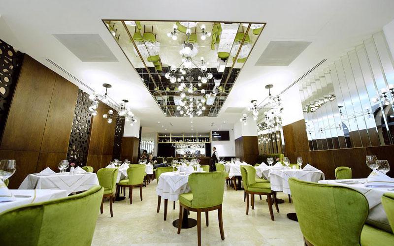 رستوران قصر طلایی (Golden Palace)
