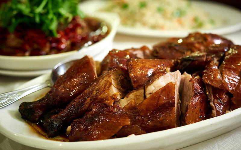 اردک برشته شده پکنی (Peking Roast Duck) - چین