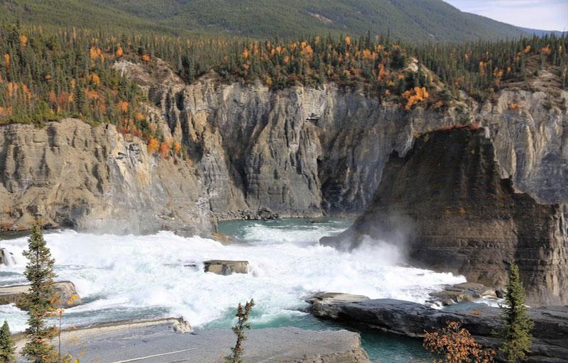 پارک ملی ناهانی کانادا