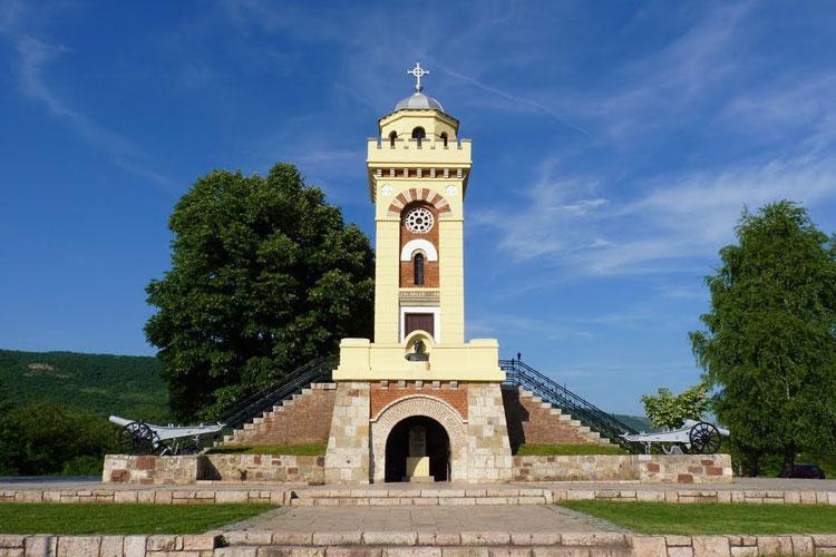 Čegar-spomenik---nis