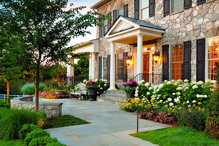front-yard-flower-beds