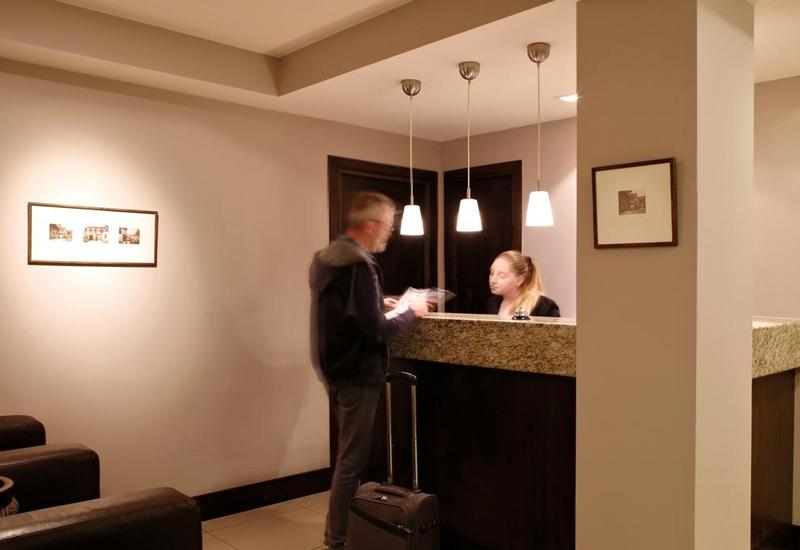 هتل مگ (Hotel Meg)