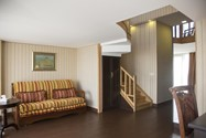 هتل شیراک (Shirak Hotel)