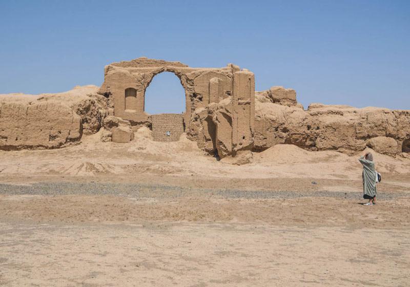 قلعه خشتی سیزان نوشآباد