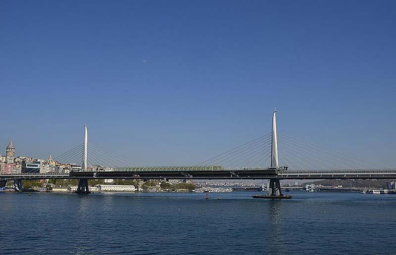 پل متروی شاخ طلایی استانبول